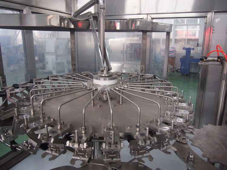 Automatic Carbonated Soft Drink Filling Machine For PET Bottle